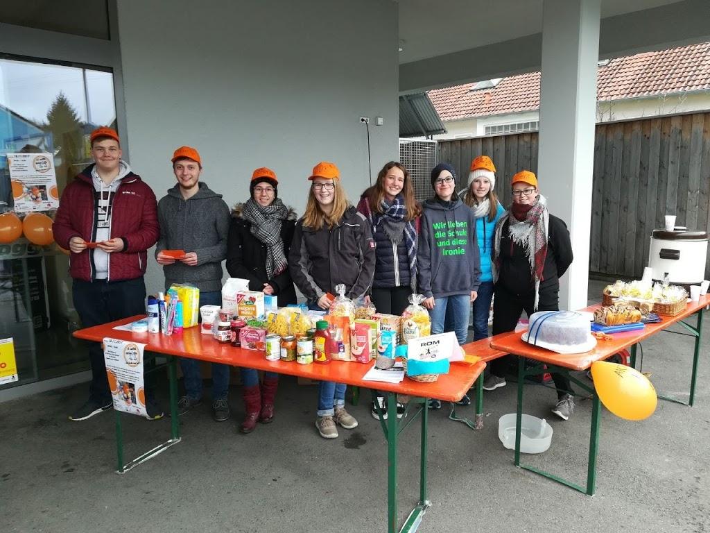 """Wir Trochtelfinger Ministranten bedanken uns bei allen Spendern für die tolle Hilfsbereitschaft bei der """"Aktion Kilo""""!"""