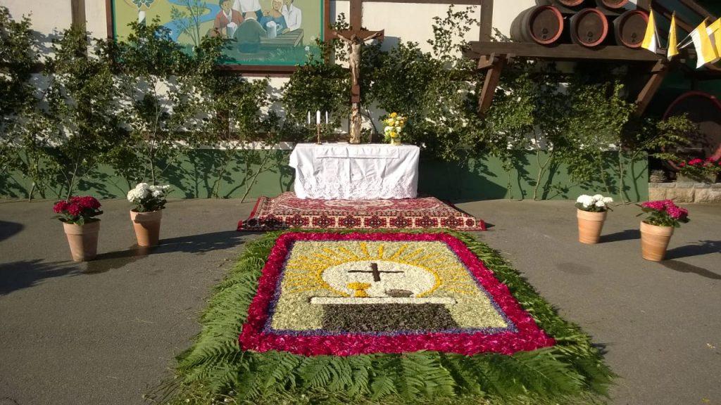 Blumenteppich der Nachbarn des Bräuhauses