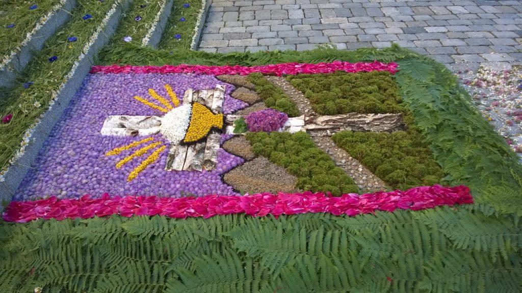 Blumenteppich des Chor St. Martin und des Jugendchores